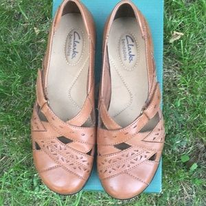 Clark's Leather Tan Shoes